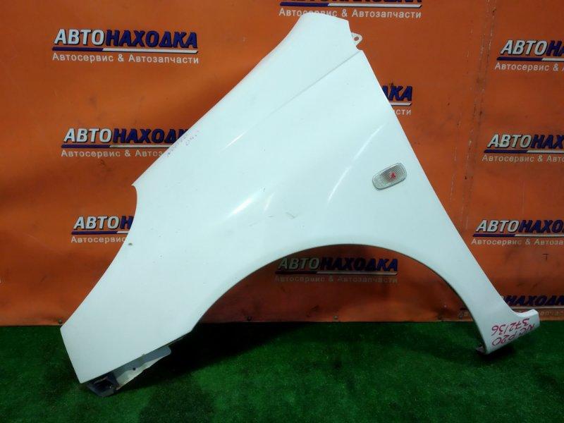 Крыло Toyota Funcargo NCP20 1NZ-FE переднее левое