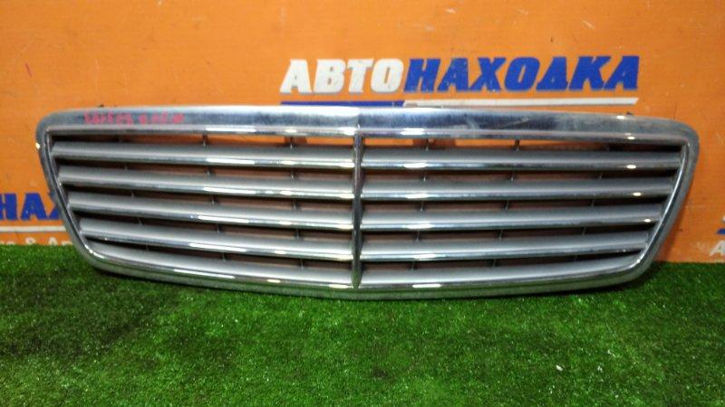 Решетка радиатора Mercedes-Benz C240 W203 112.912 03.2001 ХТС