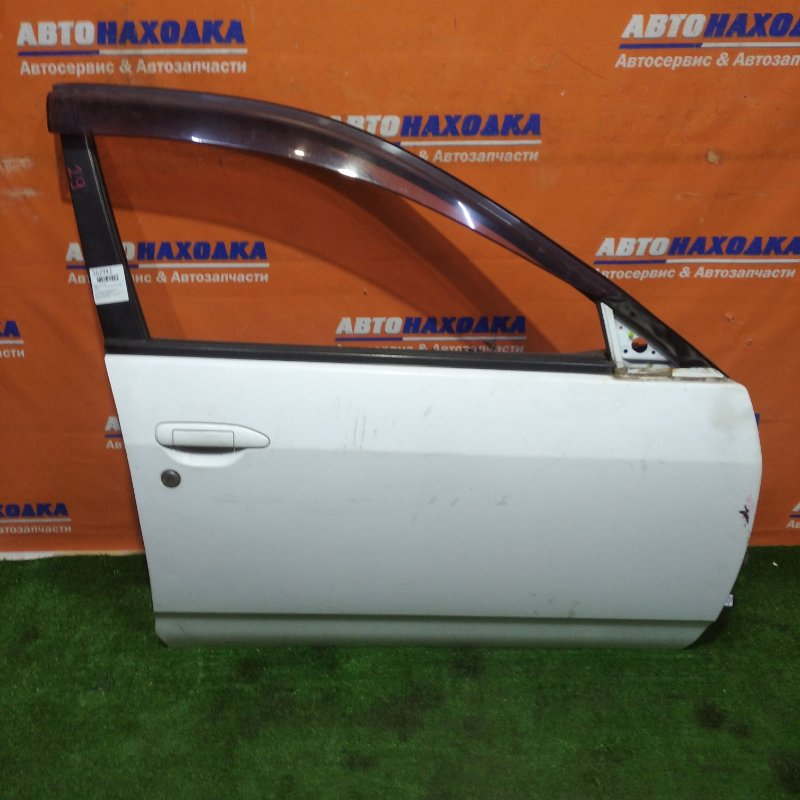 Дверь Nissan Ad VFY11 QG15DE 1999 передняя правая есть потертости угол загнут без зеркала,блок