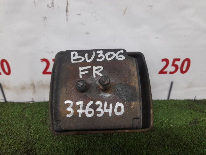 Подушка двигателя Toyota Dyna BU306 4B 1999 передняя правая 12361-58130 Передняя правая