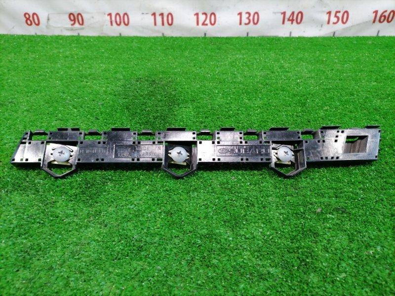 Клипса бампера Subaru Impreza GP2 FB16 2011 задняя правая Задняя правая