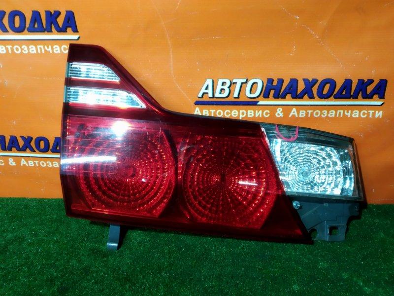 Вставка между стопов Toyota Alphard ANH10 2AZ-FE задняя левая 58-19 ТРЕЩИНА