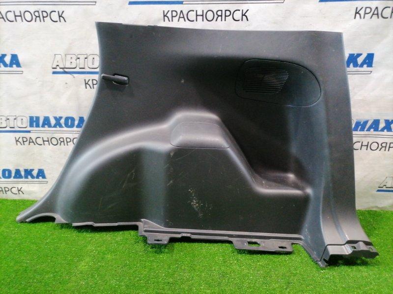 Обшивка багажника Toyota Ractis NCP100 1NZ-FE 2005 задняя правая Правая боковая. Есть потертости.