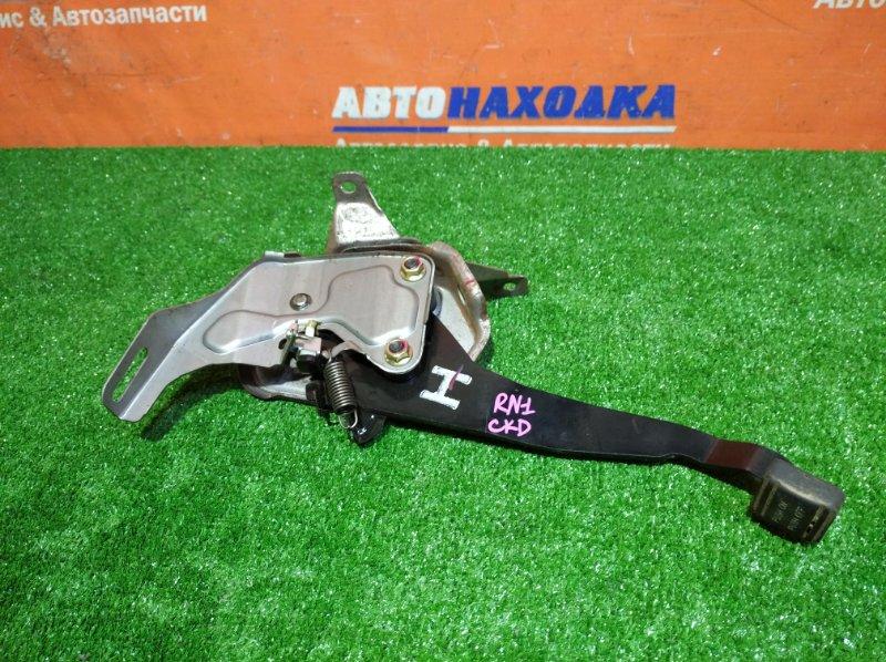 Рычаг стояночного тормоза Honda Stream RN1 D17A 2000 ножной
