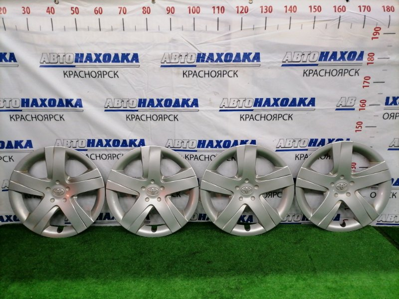 Колпаки колесные Toyota Ractis NCP120 1NZ-FE 2010 42602-52460 Комплект 4 штуки, R16, есть царапины и