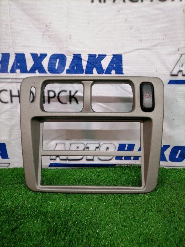Консоль магнитофона Mitsubishi Pajero Io H76W 4G93 1998 С кнопкой аварийной остановки
