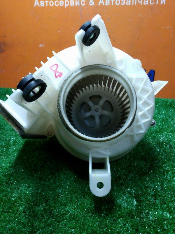 Мотор охлаждения батареи Toyota Prius ZVW30 2ZR-FXE 05.2009 вентилятор охлаждения