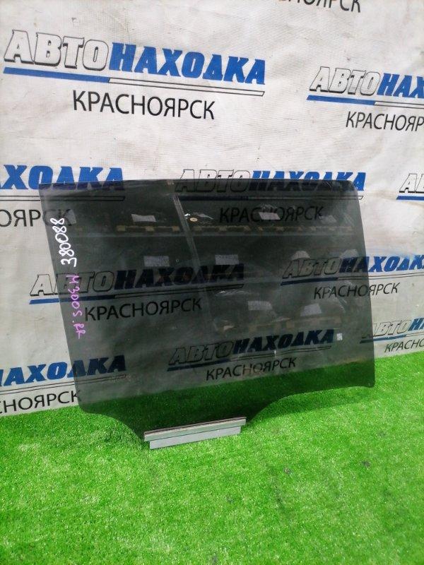 Стекло боковое Daihatsu Boon M300S 1KR-FE 2004 заднее правое Заднее правое. Опускное, заводская