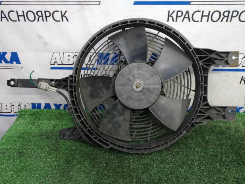 Вентилятор радиатора Nissan Elgrand ATWE50 ZD30DDTI 1997 на радиатор кондиционера