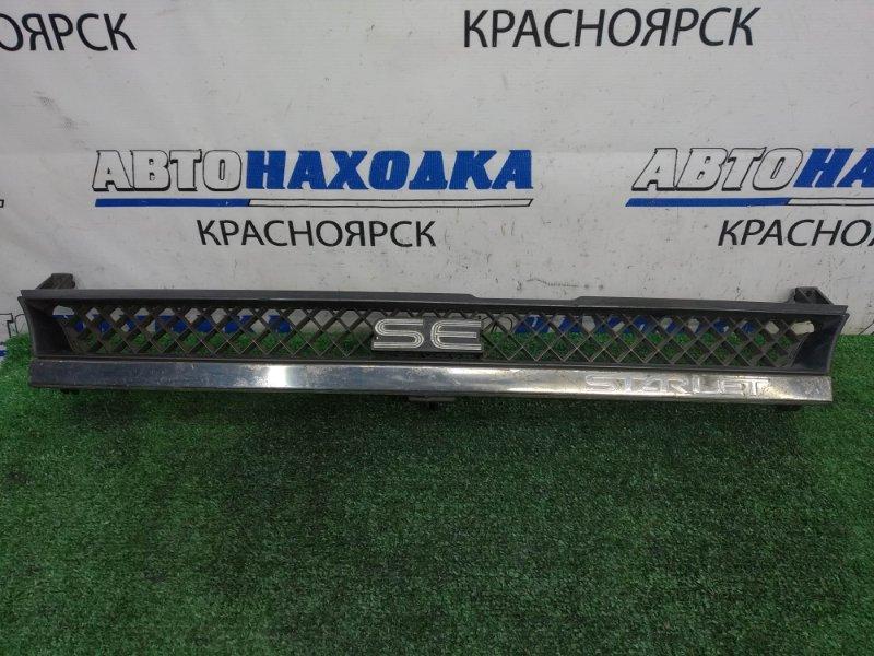 Решетка радиатора Toyota Starlet EP71 2E-LU 1984 передняя дефект хрома - облазит