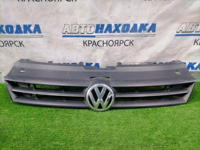 Решетка радиатора Volkswagen Polo 6R1 CBZB 2008 передняя 6R0853651 POLO MK5. Есть потертости.