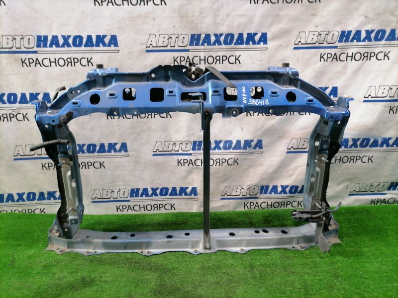 Рамка радиатора Toyota Ractis NCP100 1NZ-FE 2005 передняя с замком.