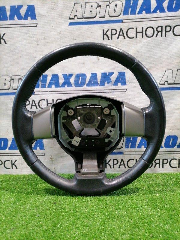 Руль Nissan Tiida C11 HR15DE 2004 Кожа, без Airbag, есть потертости.