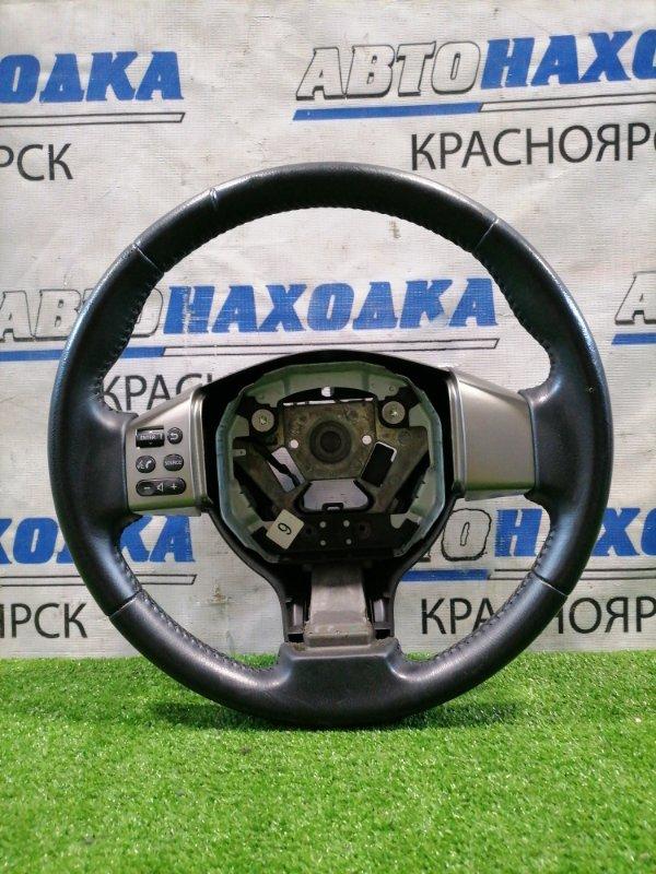 Руль Nissan Tiida C11 HR15DE 2004 Кожа, с кнопками, без Airbag, есть потертости.