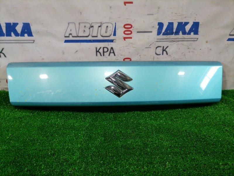 Накладка багажника Suzuki Splash XB32S K12B 2008 задняя 8394151K10 На пятую дверь. Между стеклом и