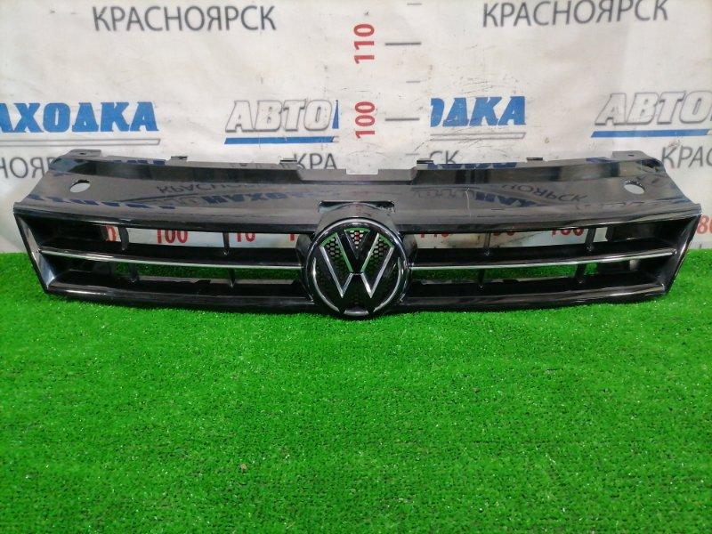 Решетка радиатора Volkswagen Polo 6R1 CBZB 2008 передняя 6R0853651 Черный глянец с хром вставками,