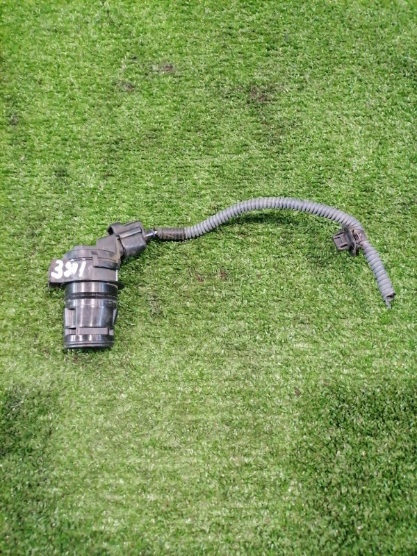 Мотор омывателя Toyota Corolla Axio NZE141 1NZ-FE 2006 На 1 выход, с фишкой на 2 контакта.