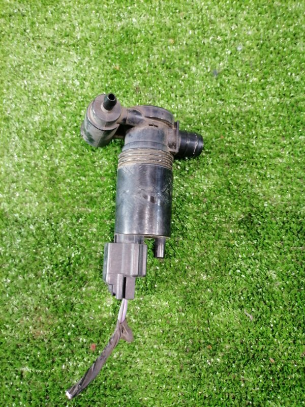 Мотор омывателя Volvo Xc60 DZ44 B4204T6 2008 на 2 выхода