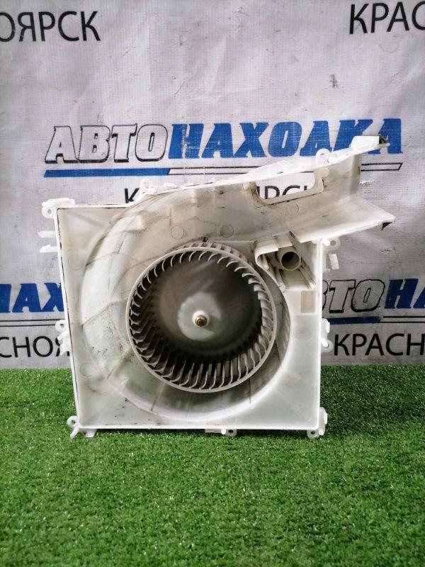 Мотор печки Nissan X-Trail NT30 QR20DE 2000 в корпусе, под толстый реостат, с фишкой, 2 контакта