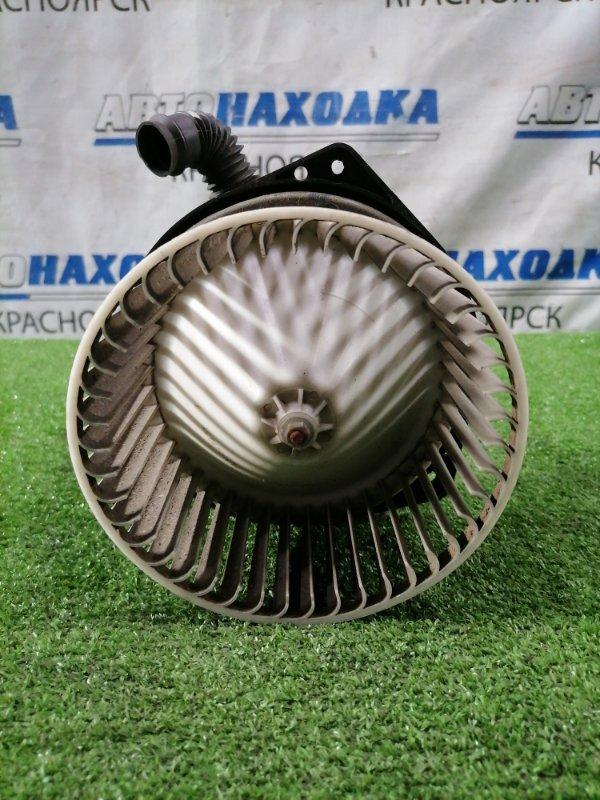Мотор печки Nissan Liberty RM12 QR20DE 2001 2 контакта