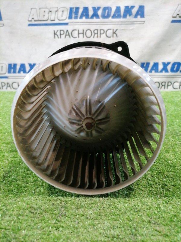 Мотор печки Toyota Voxy AZR60G 1AZ-FSE 2004 194000-1500 2 контакта