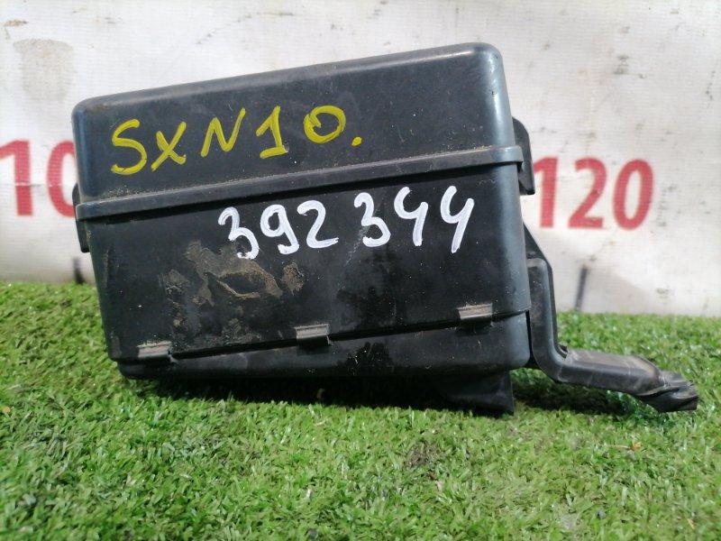 Блок предохранителей Toyota Nadia SXN10 3S-FSE 1996 Подкапотный, с основного радиатора.