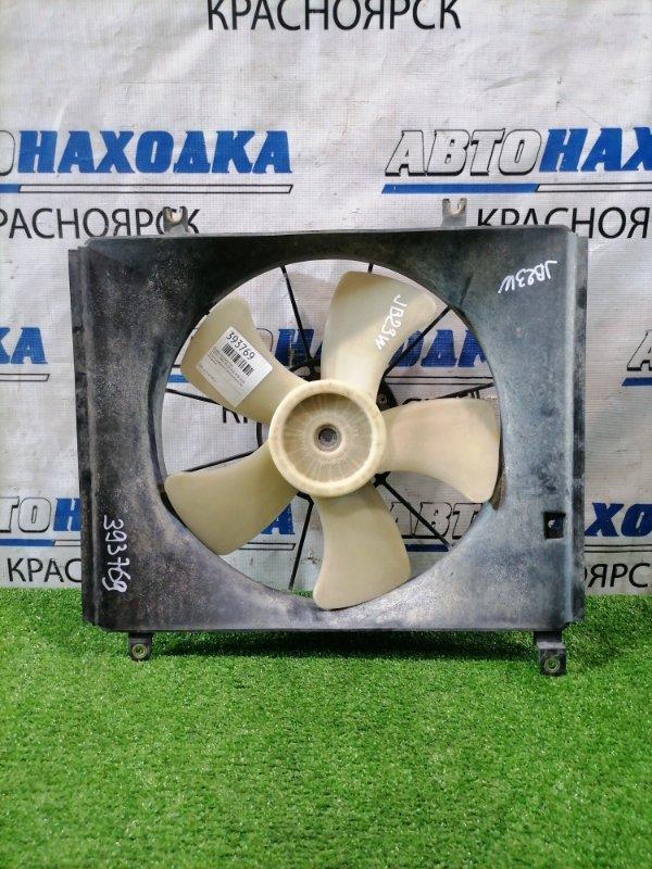 Диффузор радиатора Suzuki Jimny JB23W K6A 1998 Только диффузор с вентилятором, без моторчика.