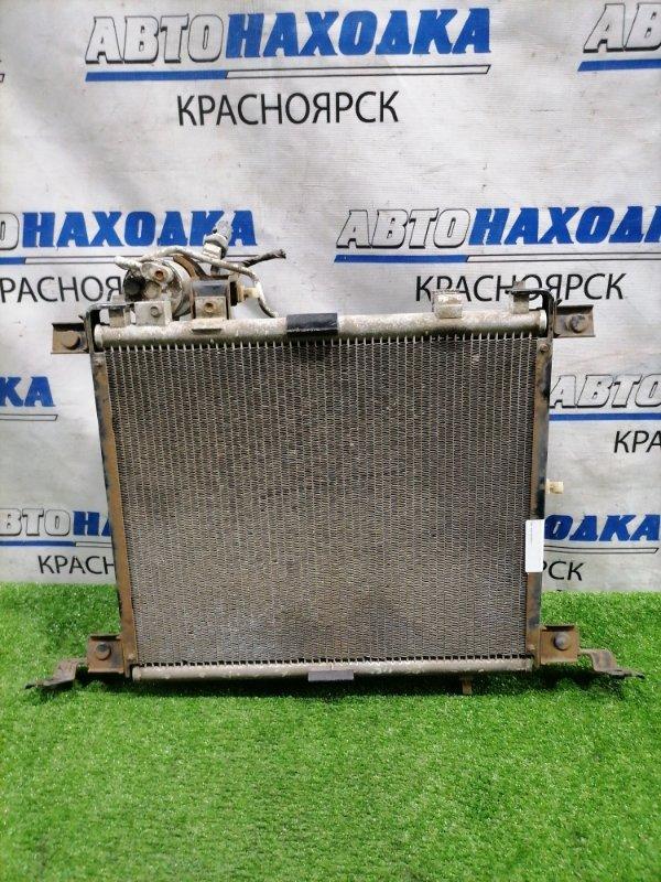 Радиатор кондиционера Mazda Bongo SK82M F8 1999 с диффузором и вентилятором, осушителем.