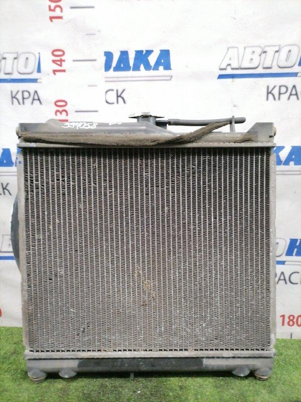 Радиатор двигателя Suzuki Jimny JB33W G13B 1998 с диффузором. Под МКПП. Есть дефект на