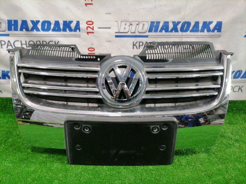 Решетка радиатора Volkswagen Golf 1K5 BLR 2003 передняя Есть сколы на хроме, треснута черная