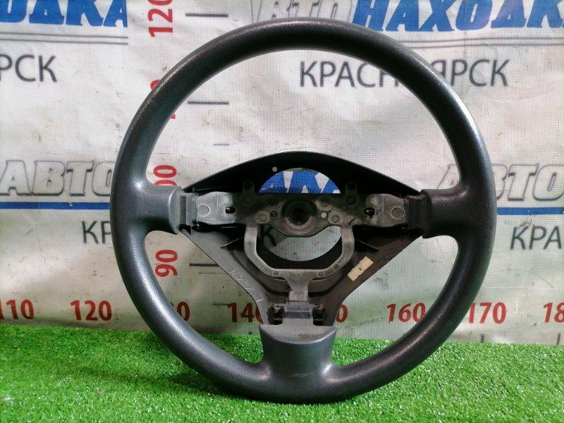 Руль Toyota Ist NCP60 2NZ-FE 2002 без AIRBAG, есть потертости.