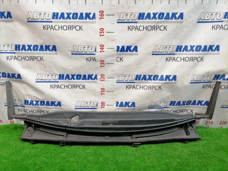 Ветровая панель Toyota Ractis NCP120 1NZ-FE 2010 с двумя уголками, заглушкой