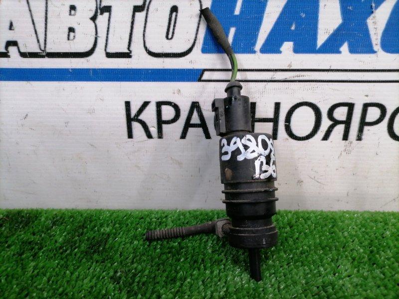 Мотор омывателя Volkswagen Passat B6 AXZ 2005 на лобовое стекло, 1 выход, 2 контакта, с фишкой