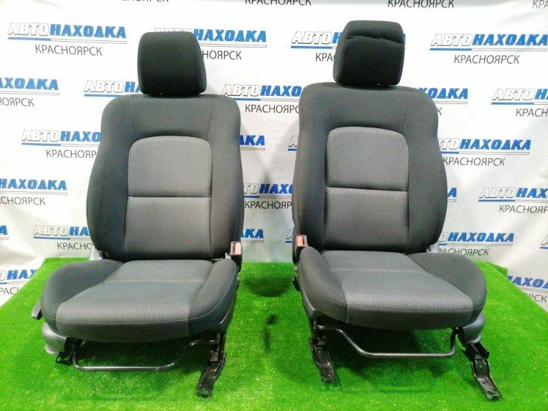 Сиденья Mazda Axela BK5P ZY-VE 2006 передняя Передние, пара, чёрно-серые, 2-х компонентная ткань,