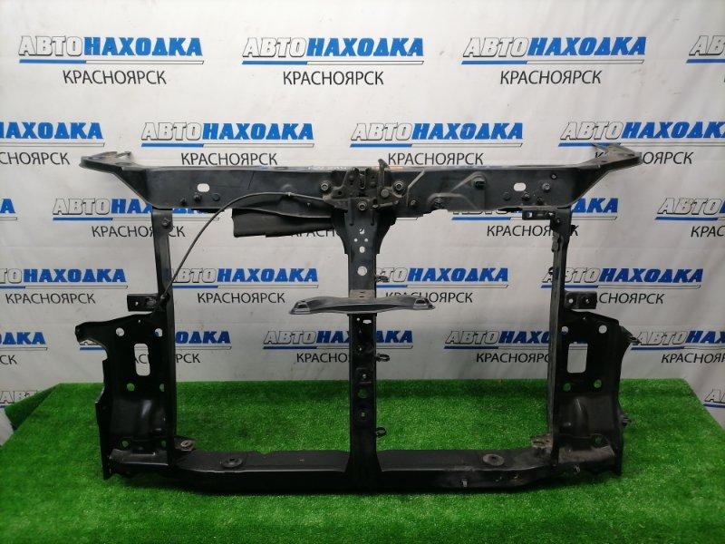 Рамка радиатора Nissan Serena CC25 MR20DE 2005 передняя с замком капота