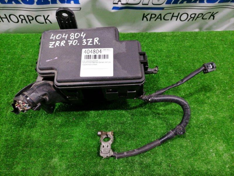 Блок предохранителей Toyota Voxy ZRR70W 3ZR-FAE 2007 подкапотный, в сборе