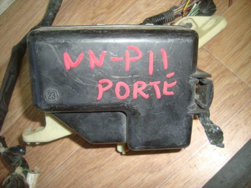 Блок предохранителей Toyota Porte NNP11 1NZ-FE 2004 под капот