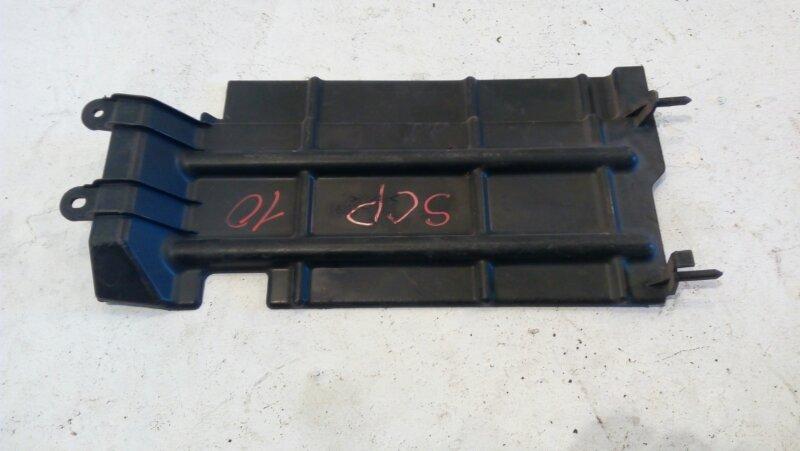 Защита радиатора Toyota Vitz SCP10 1SZ-FE 2001 Защита радиатора