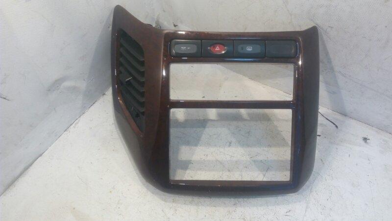 Рамка магнитофона Nissan Elgrand ATWE50 ZD30DDTI 2000