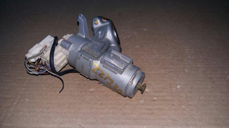Замок зажигания Toyota Celica ZZT230 Ключ с дефектом, контактная группа