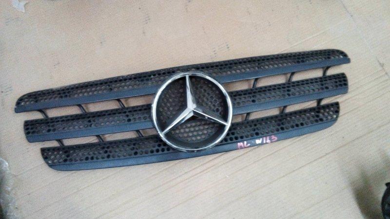 Решетка радиатора Mercedes Ml270 W163 OM612.963 2000 значек хром
