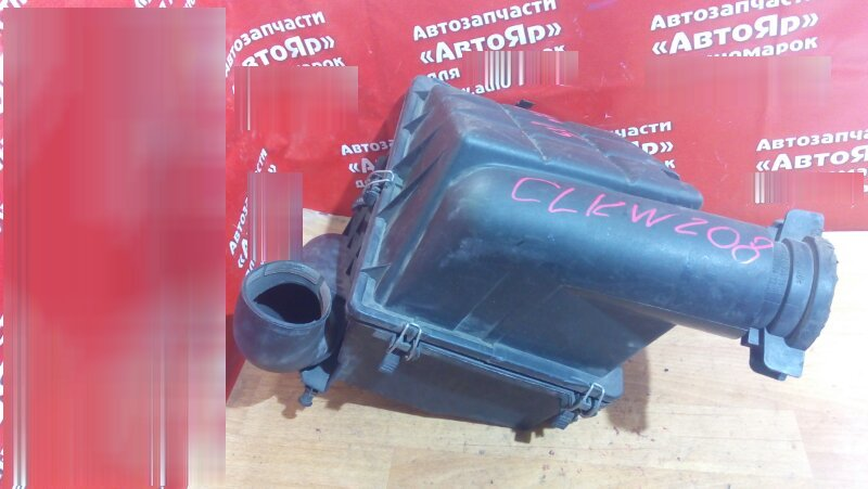 Корпус воздушного фильтра Mercedes Clk200 W208 111.945