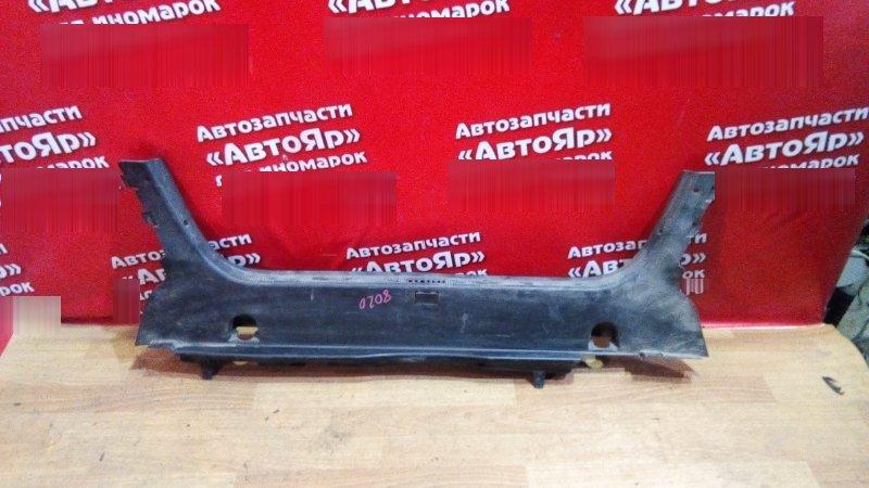 Накладка багажника Mercedes Clk200 W208 M111.945 накладка на замок багажника черная