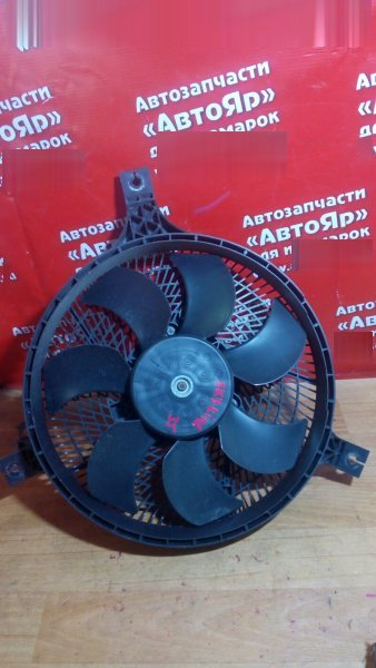 Диффузор радиатора Nissan Skyline PV35 VQ35DE 2002 кондиционера. дефект на фото