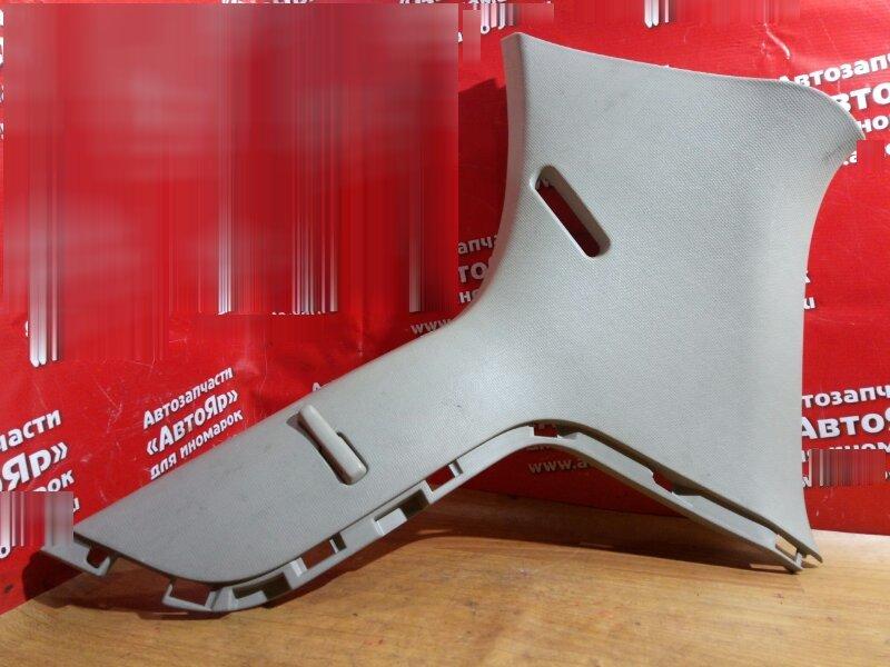 Накладка пластиковая в салон Toyota Vitz KSP90 1KR-FE правая на стойку, задняя правая