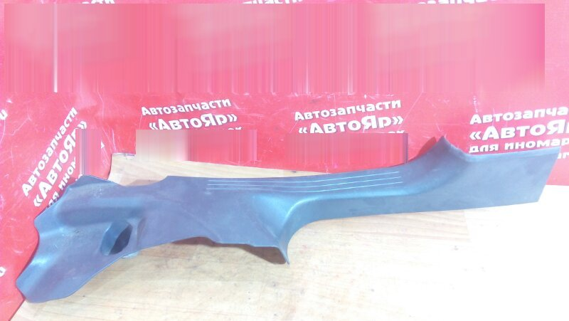 Накладка пластиковая в салон Mercedes C200 W203 111.955 2004 передняя левая на порог