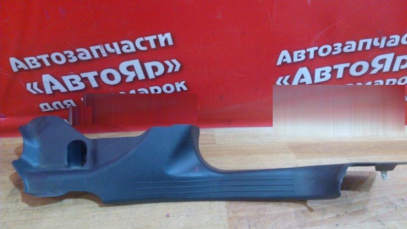 Накладка пластиковая в салон Mercedes C200 W203 111.955 2004 задняя правая на порог