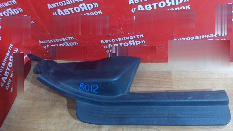 Накладка пластиковая в салон Subaru Legacy BE5 EJ20 2001 задняя правая на порог