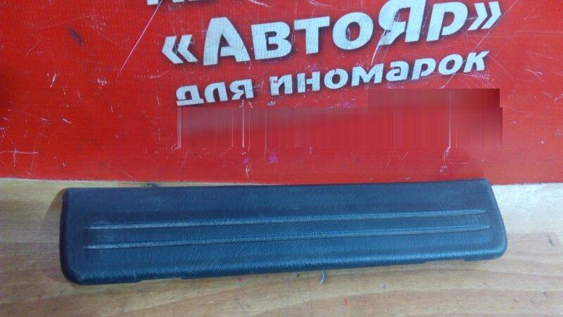 Накладка пластиковая в салон Nissan Sunny FB15 QG15DE 2001 задняя левая на порог, под дверь