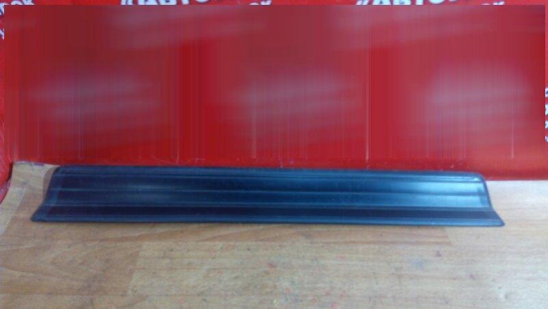 Накладка пластиковая в салон Bmw 318I E46 передняя правая на порог, под дверь, до рестайл